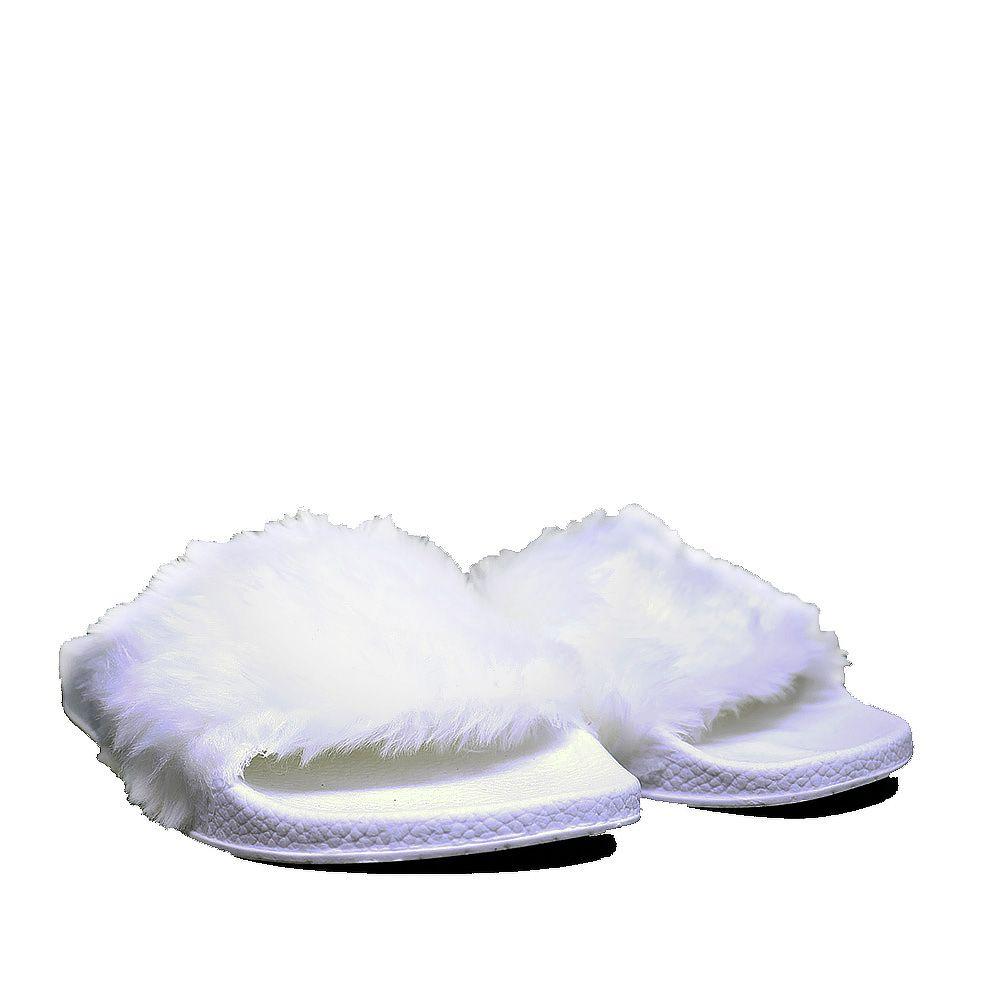 Chinelo Martinez slide gelo Fluffy