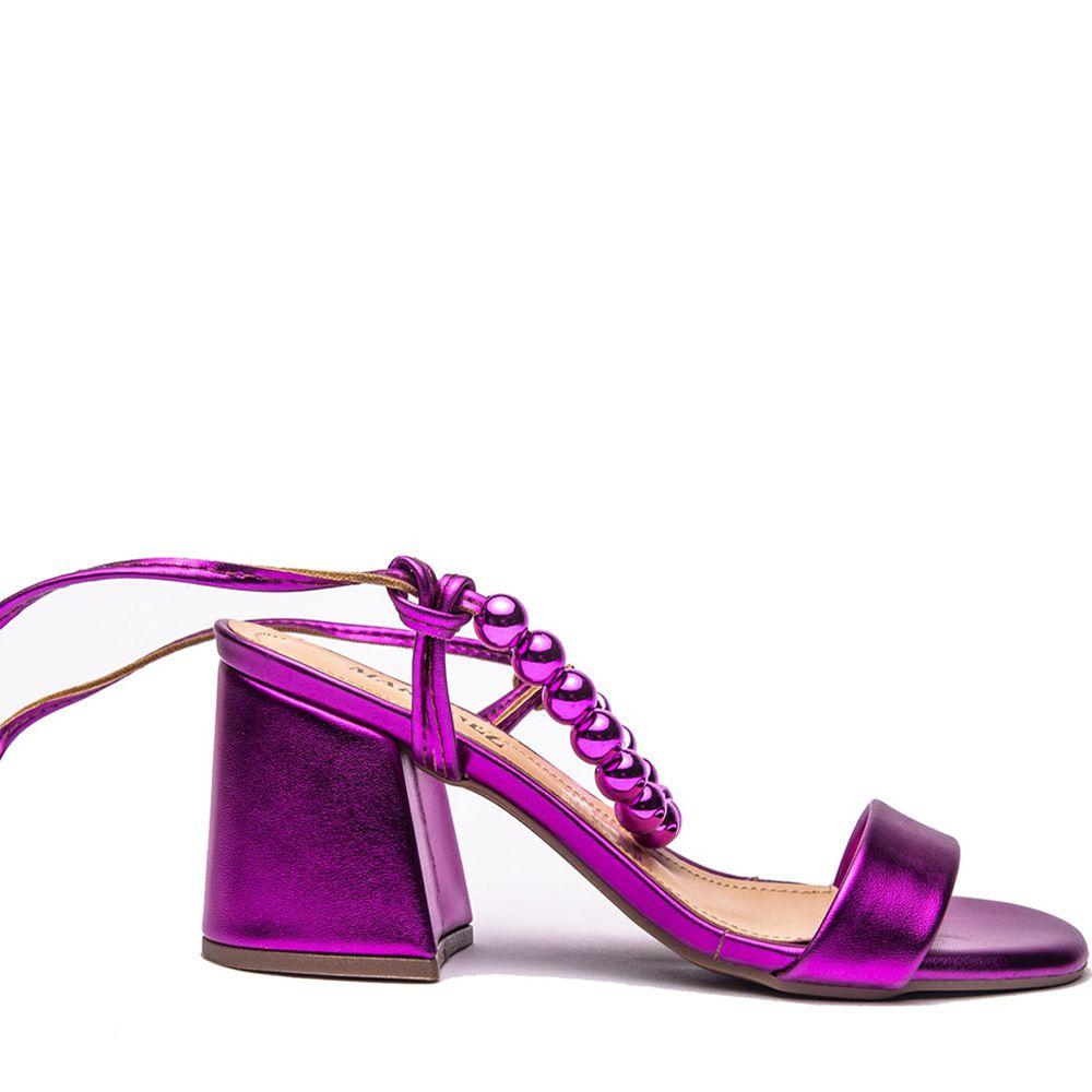 Sandália com aplicação amarração pink