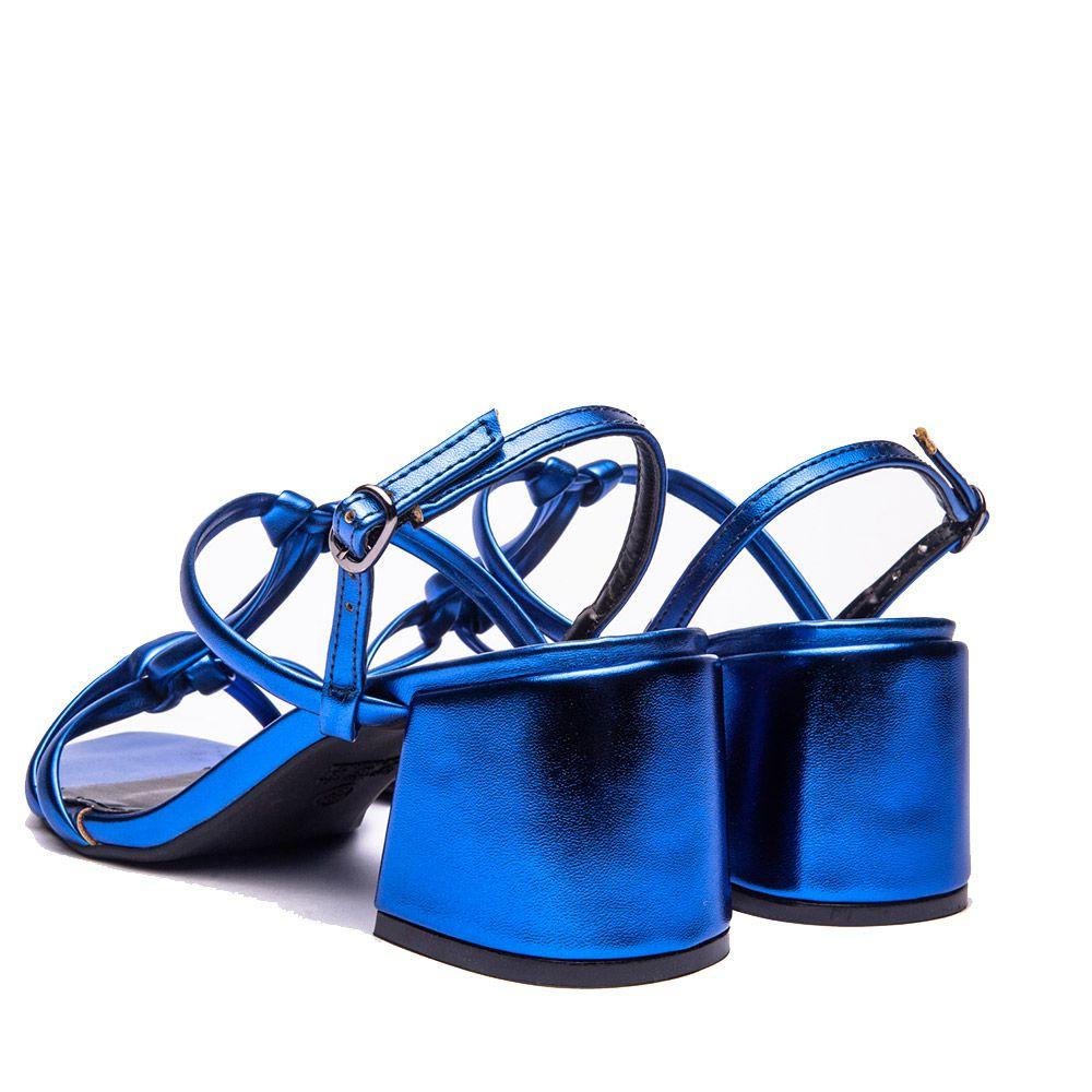 Sandália salto bloco em tiras metalizadas azul