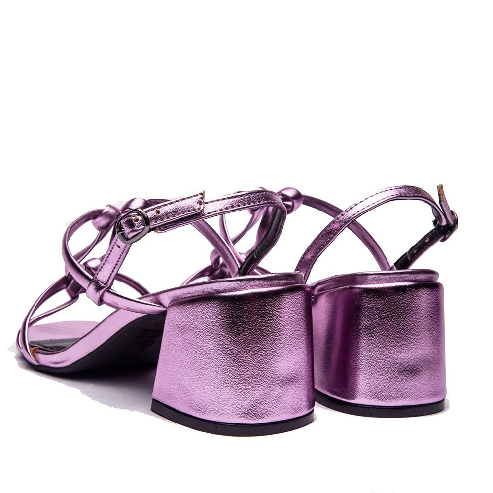 Sandalia salto bloco em tiras metalizadas rose