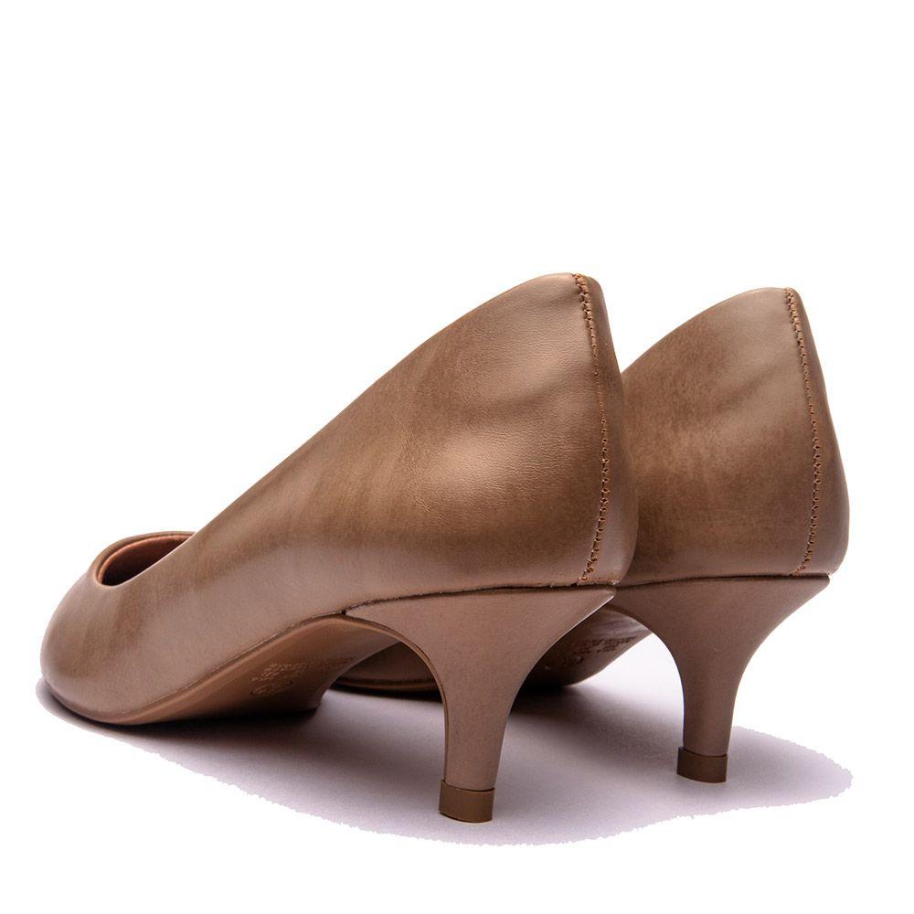 Scarpin básico bico fino salto baixo calf antique.