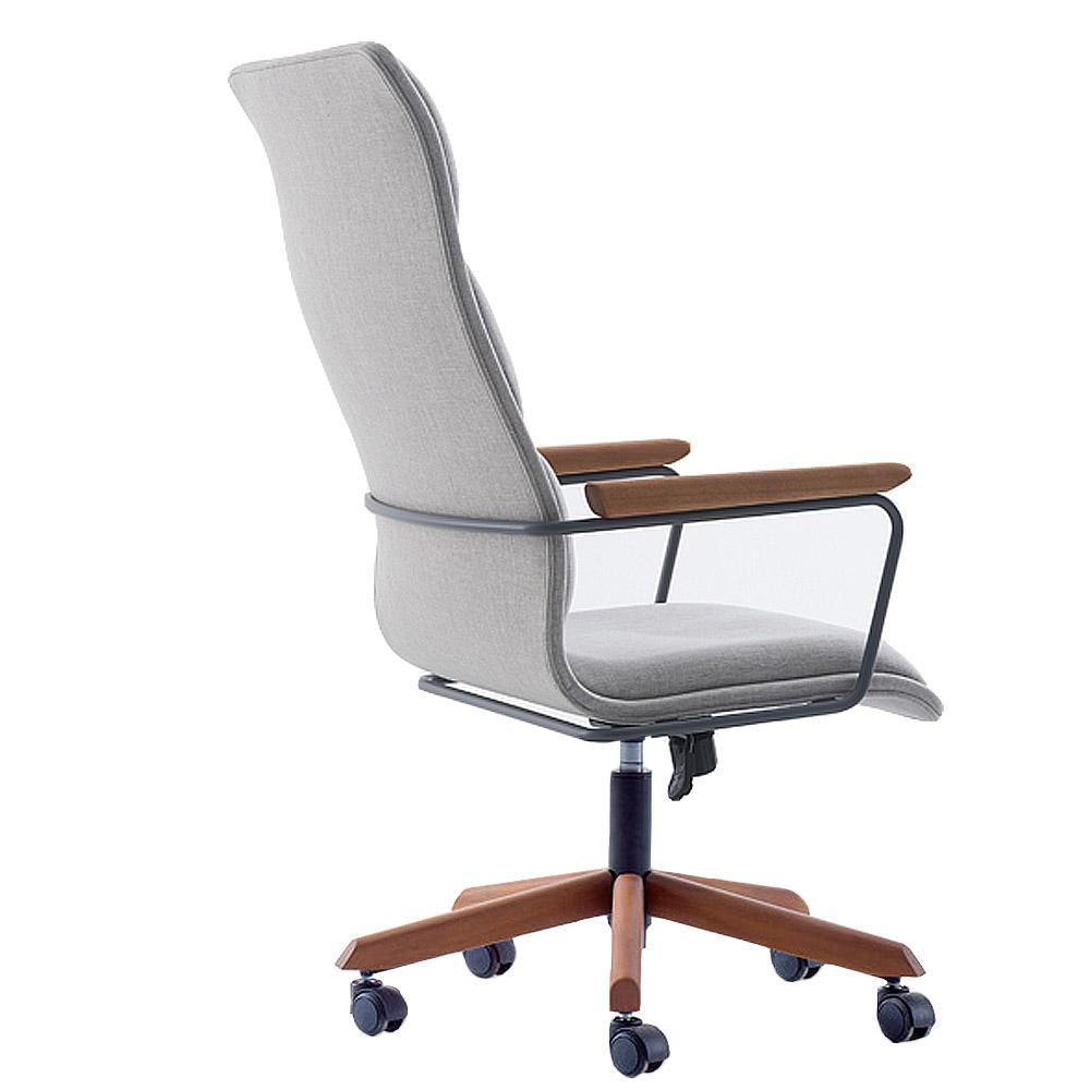 Cadeira Escritório Giratória Presidente Estofado e Estrutura em Madeira Braços Fixos