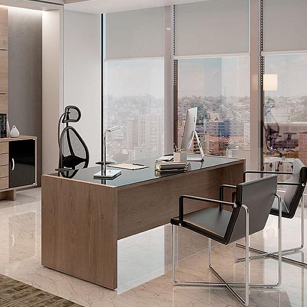 Mesa Escritório Reta com Vidro Pé Painel 1500x700