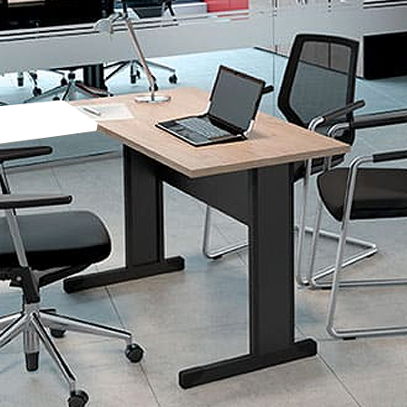 Mesa Escritório Reta Pé Metálico 1500X600