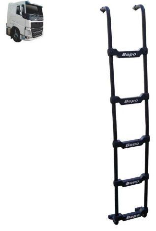 Escada Traseira para caminhão Volvo FH Globetrotter 2015 Tanque Arla Lateral Preta