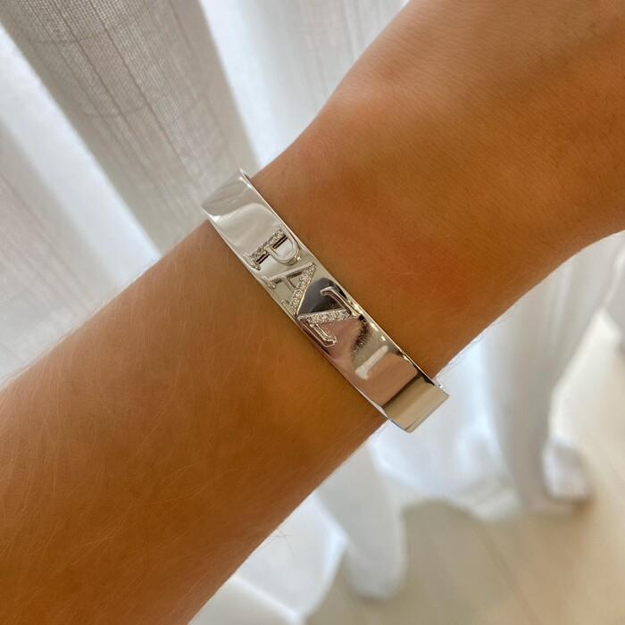Bracelete Liso Cravejado Paz Banhado a Ródio Branco