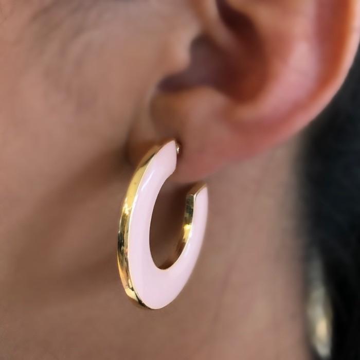 Brinco Argola Esmaltada Rosa Banhado a Ouro 18k