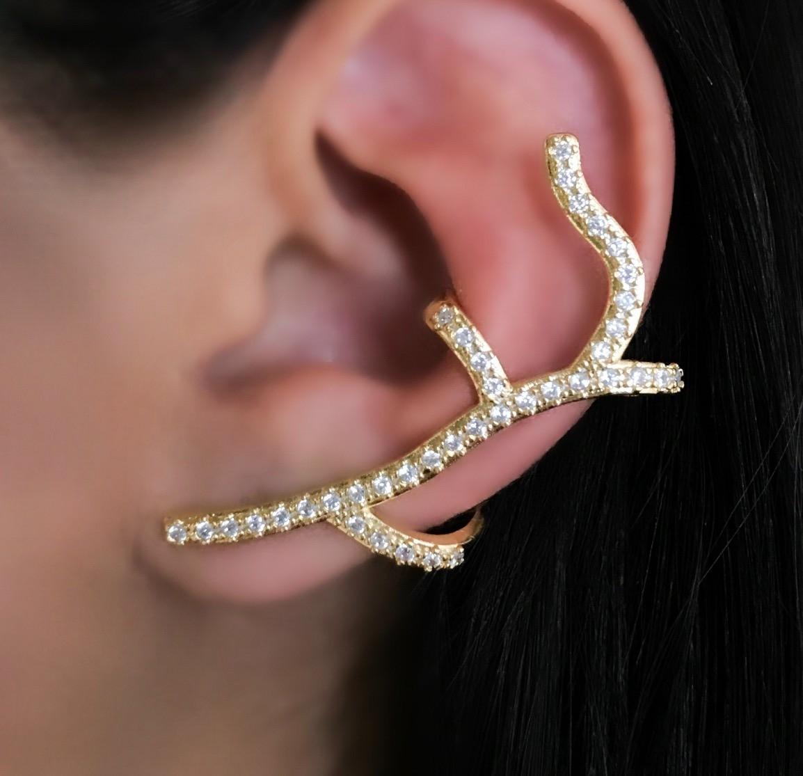 Brinco Ear cuff Cravejado Folheado a Ouro
