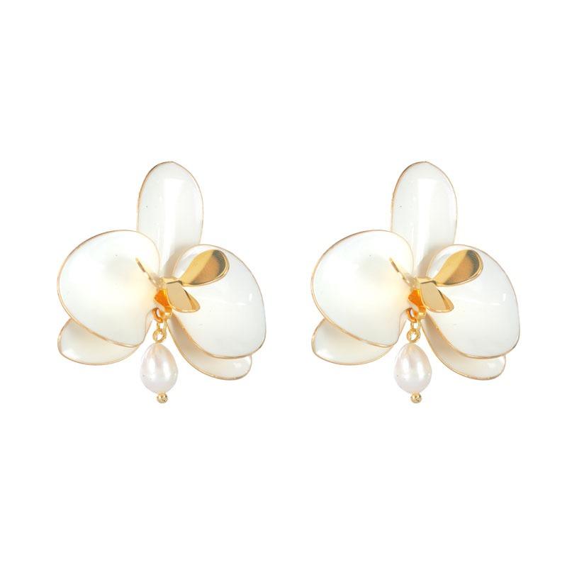 Brinco Orquídea G Esmaltada Com Pérola e Banho de Ouro 18k