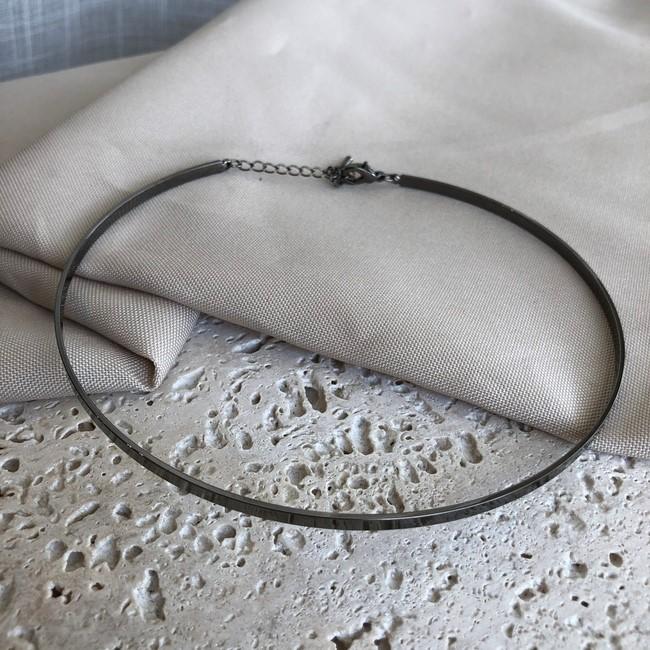Colar Choker Estruturada Lisa Banhado a Ródio Negro
