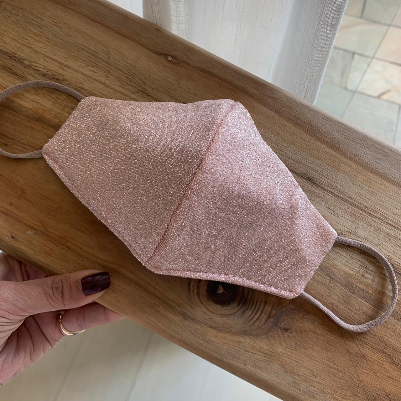 Máscara Lavável Lurex com Brilho Rosa Proteção Facial