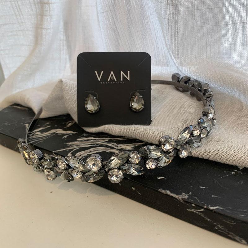 Tiara Pedraria Gray by VAN com Brinco Combinando