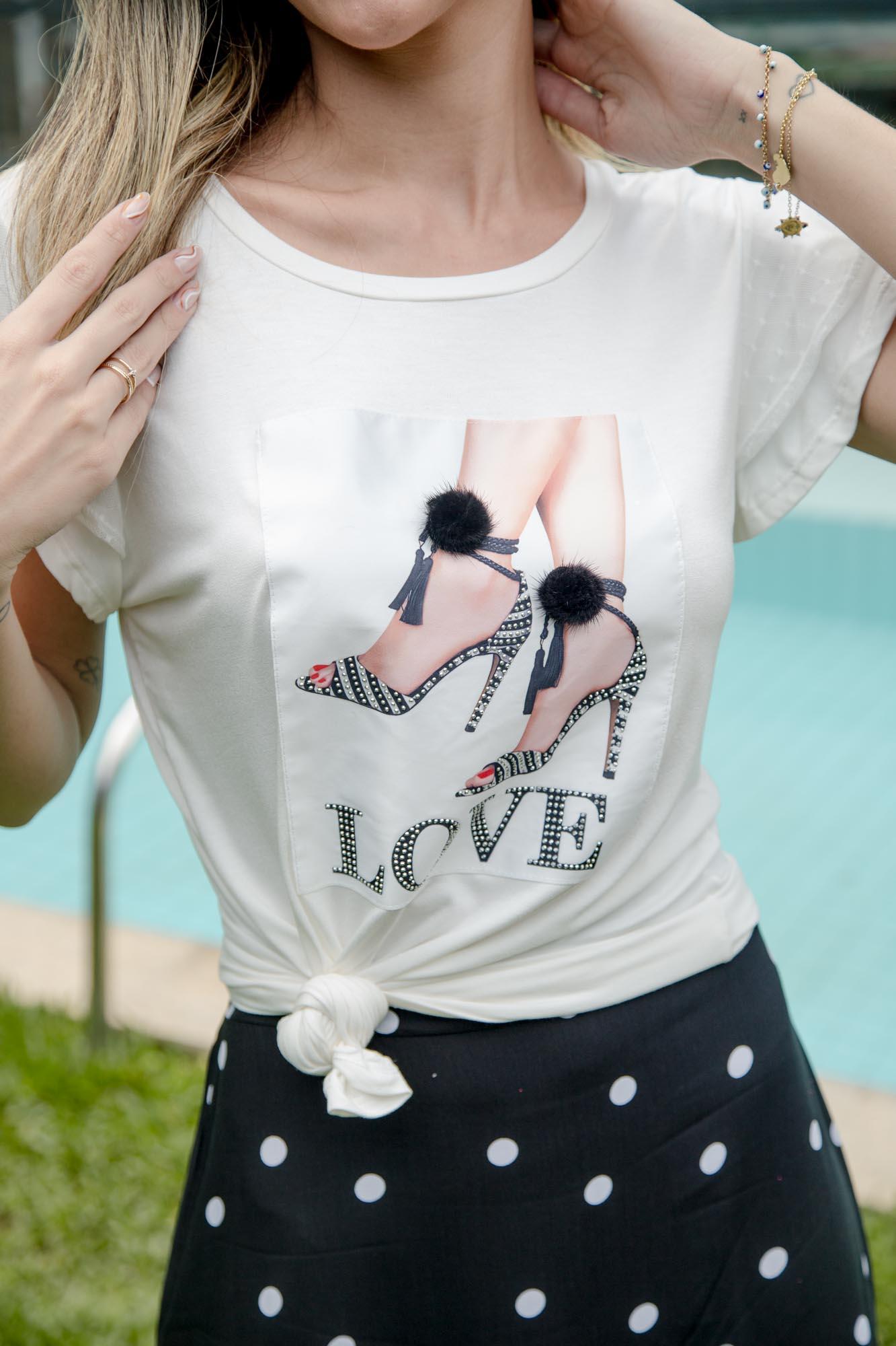 BLUSA BORDADA LOVE