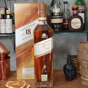 Whisky - Johnnie .W - Ultimate - 18 anos - 750 ml