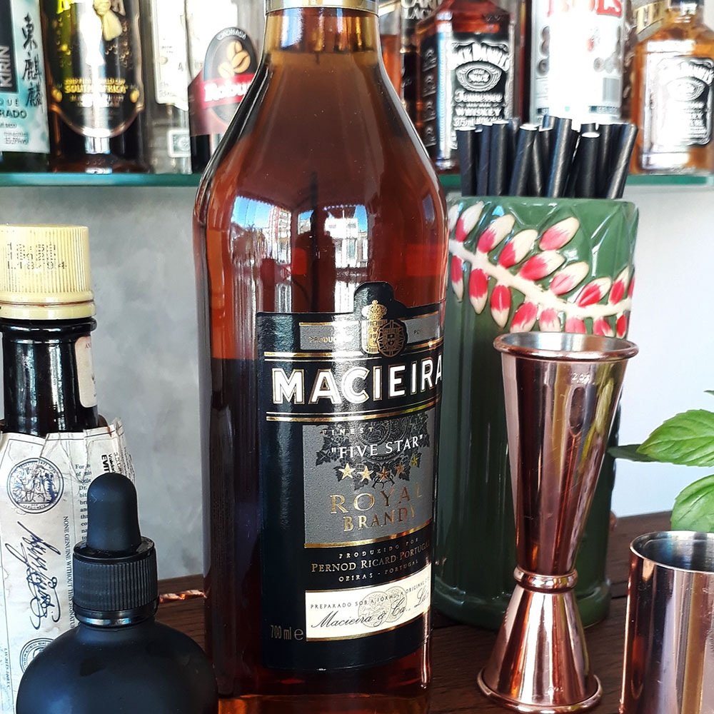 Conhaque - Macieira - 700 ml  - DRUNK DOG DELIVERY
