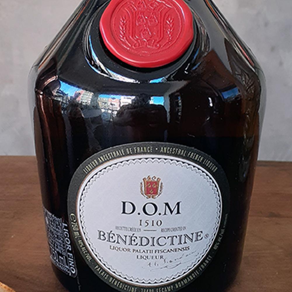 Licor - Benedictine - 750 ml  - DRUNK DOG DELIVERY