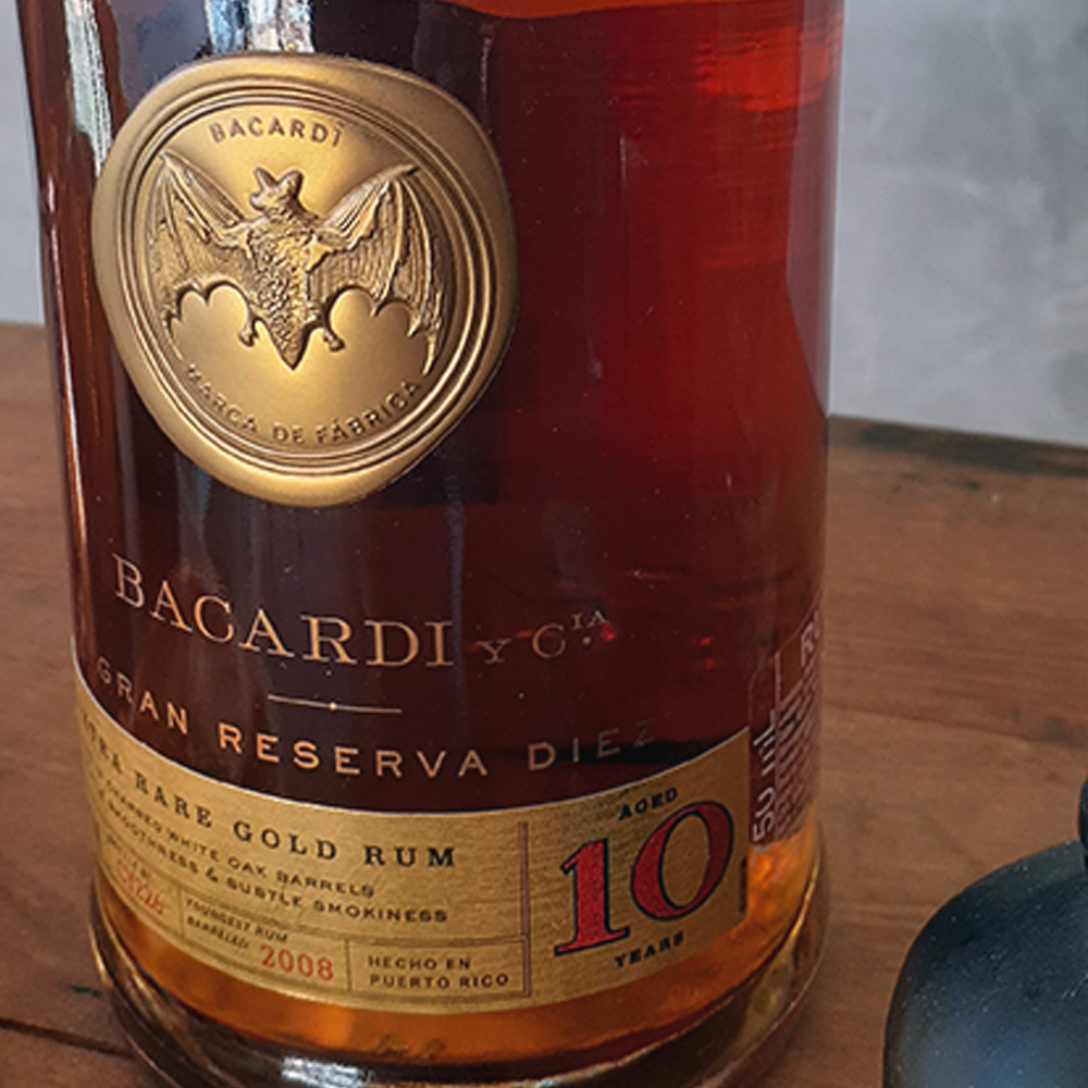 Rum - Bacardi - 10 anos - 750 ml  - DRUNK DOG DELIVERY