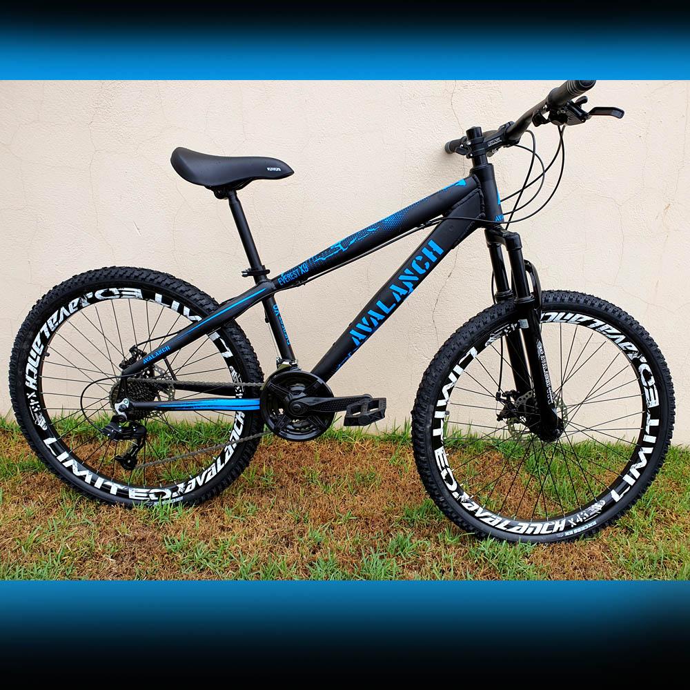 Bicicleta 26 Avalanch X-9 21v Freio a Disco Preto e Azul