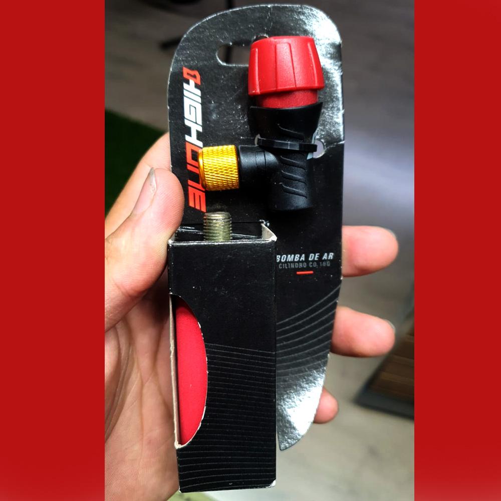 Kit Co2 Bomba Bico Bike Pneu High One + 1 Refil 16g