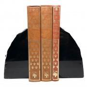 Aparador de Livros Obsidiana
