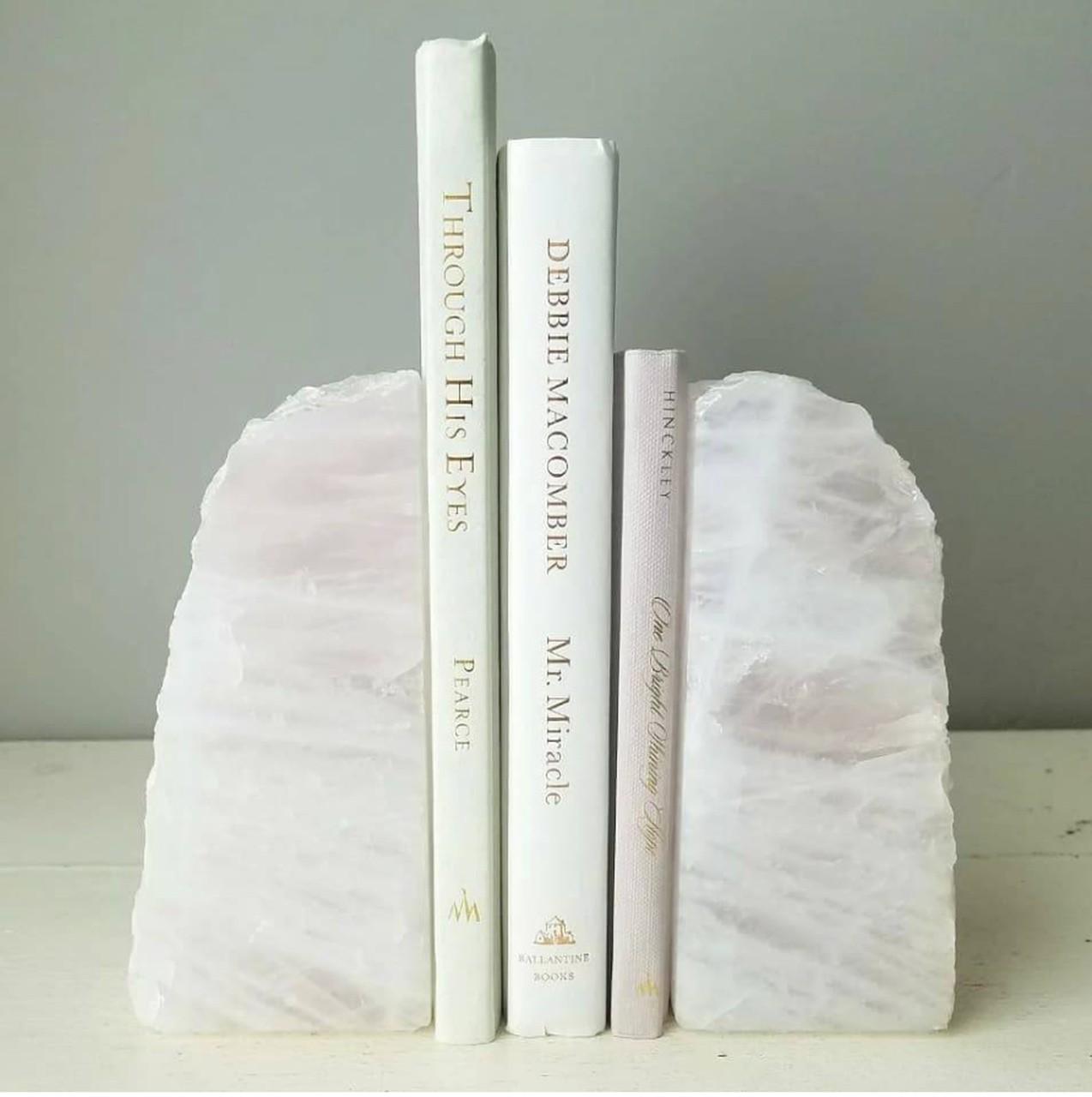 Aparador de Livros Quartzo Branco