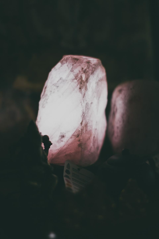 Luminária Quartzo Rosa Bruto Natural