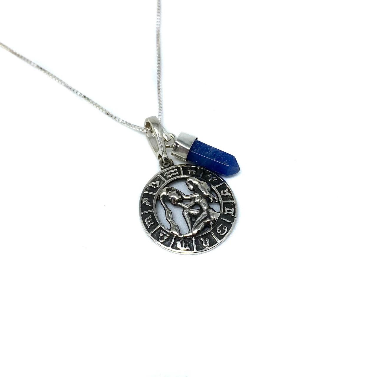 Pedra do signo de Aquário: colar com pingente de Sodalita + medalhinha