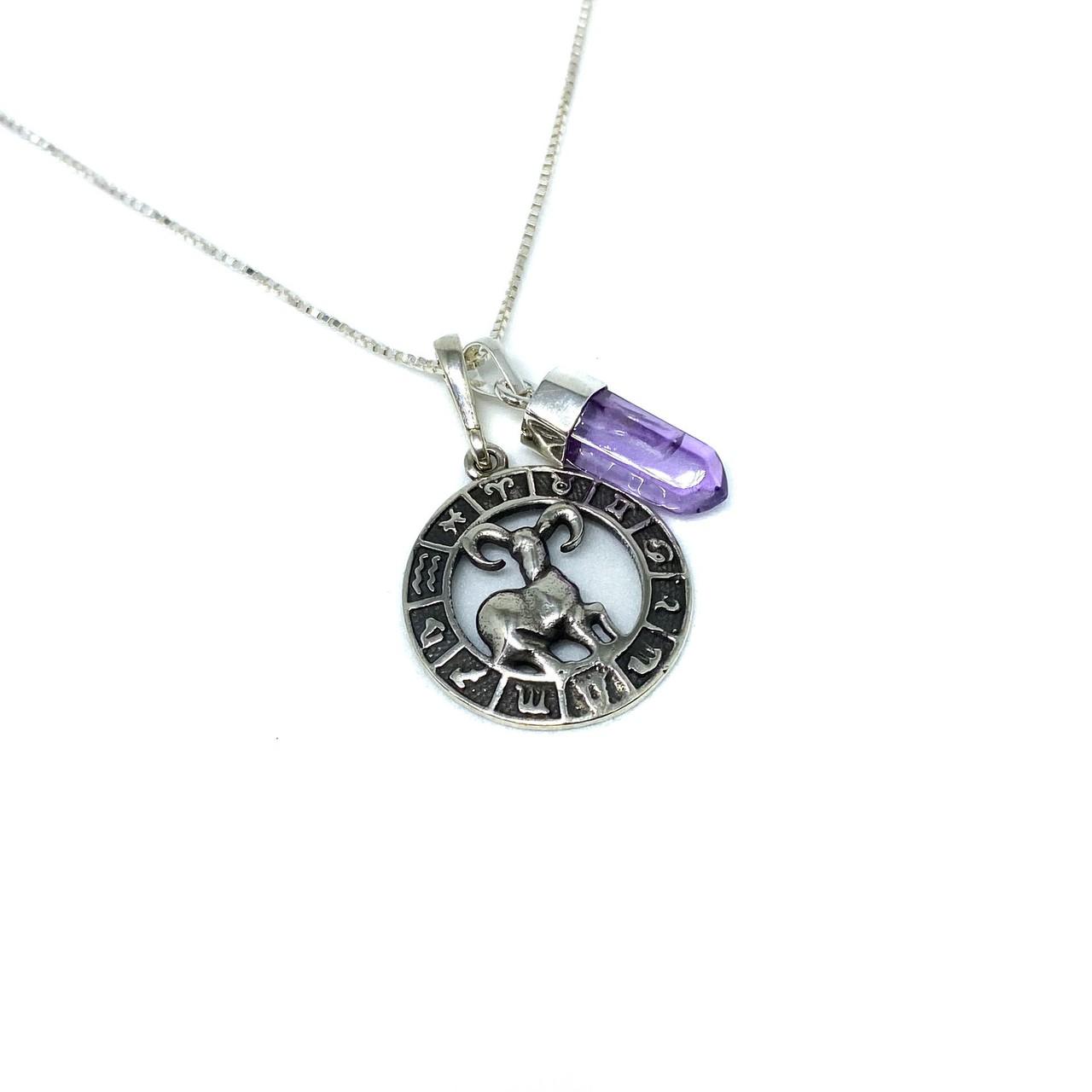Pedra do signo de Áries: colar com pingente de Ametista + medalhinha