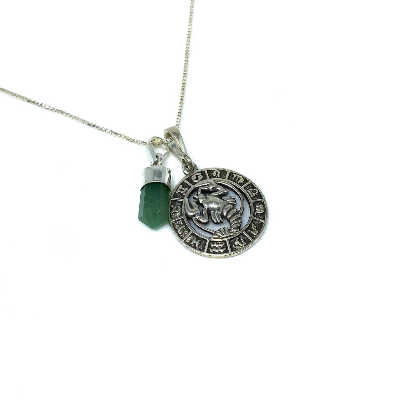 Pedra do signo de Câncer: colar com pingente de Quartzo Verde + medalhinha