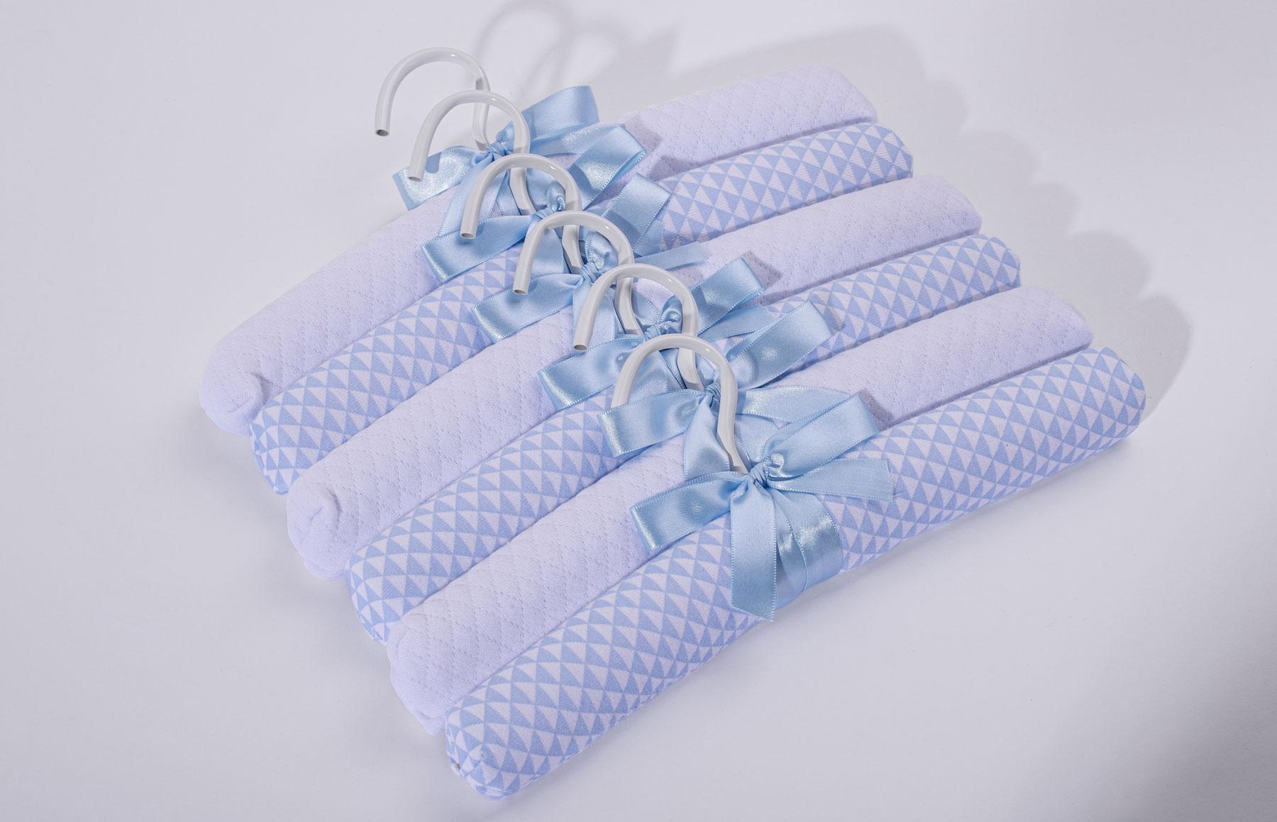 Kit Com 6 Cabides Lembranças De Infância Azul