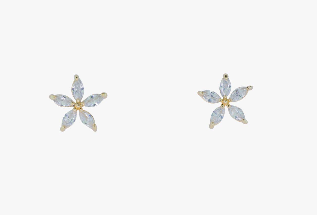Brinco folheado ouro 18k flor com zirconia