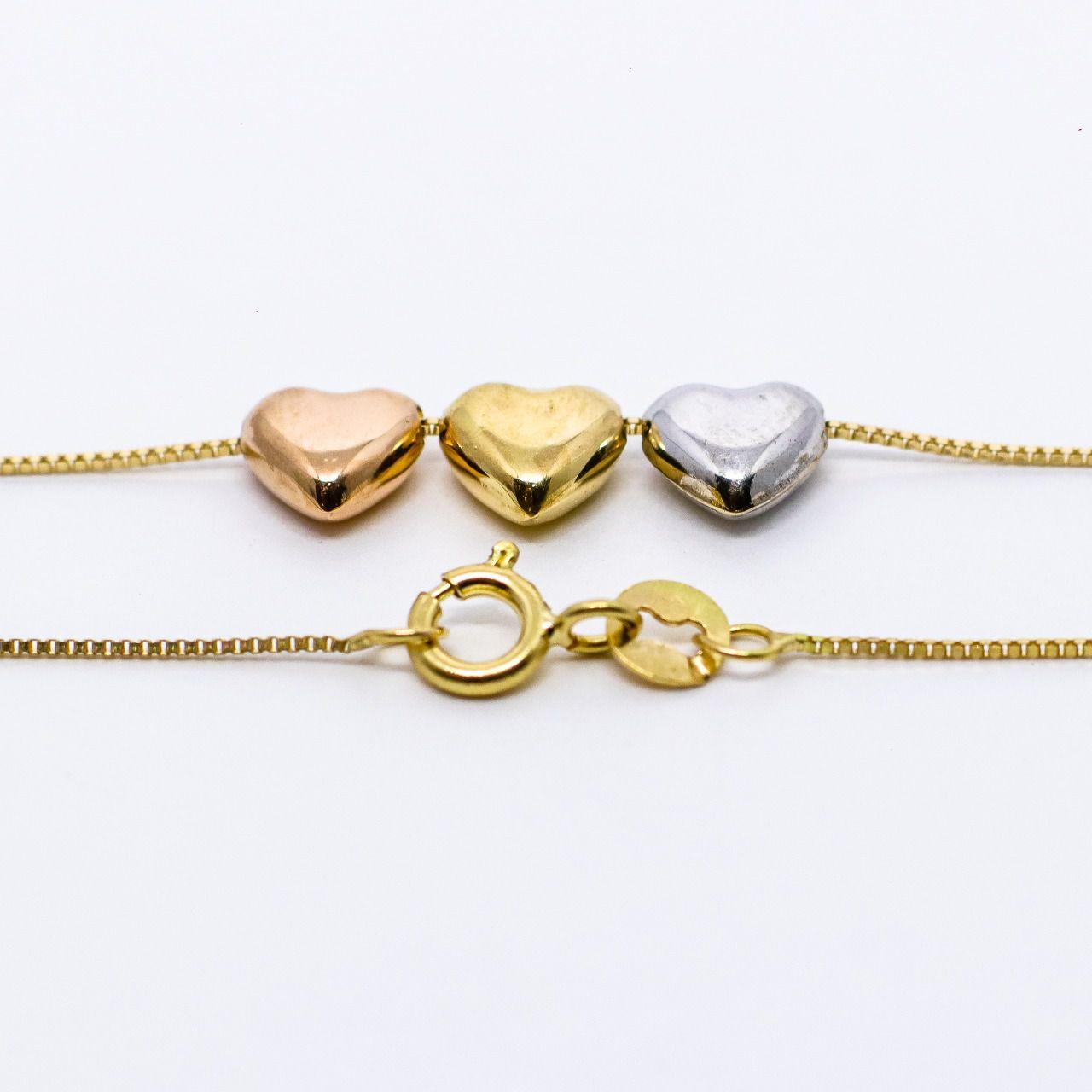 Gargantilha ouro 18k com coração.