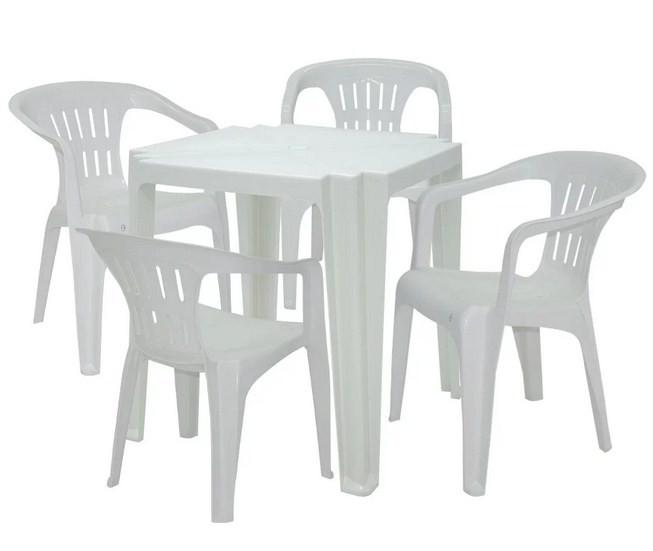 Conjunto 04 Poltronas Atalaia e 01 mesa Tambau Tramontina Plástica Branca