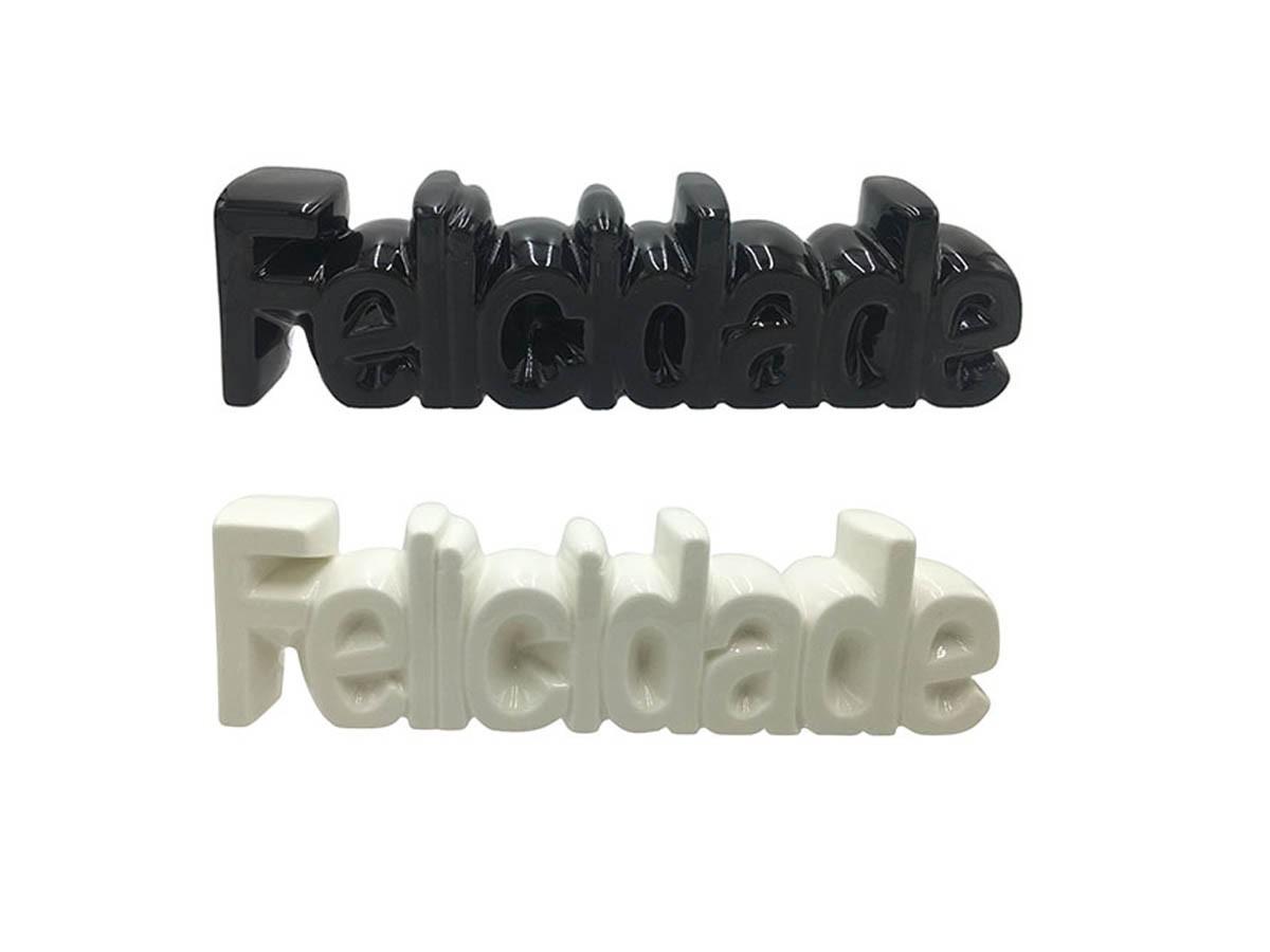 Enfeite cerâmica Felicidade - 24 x 6,6 x 3,9 cm