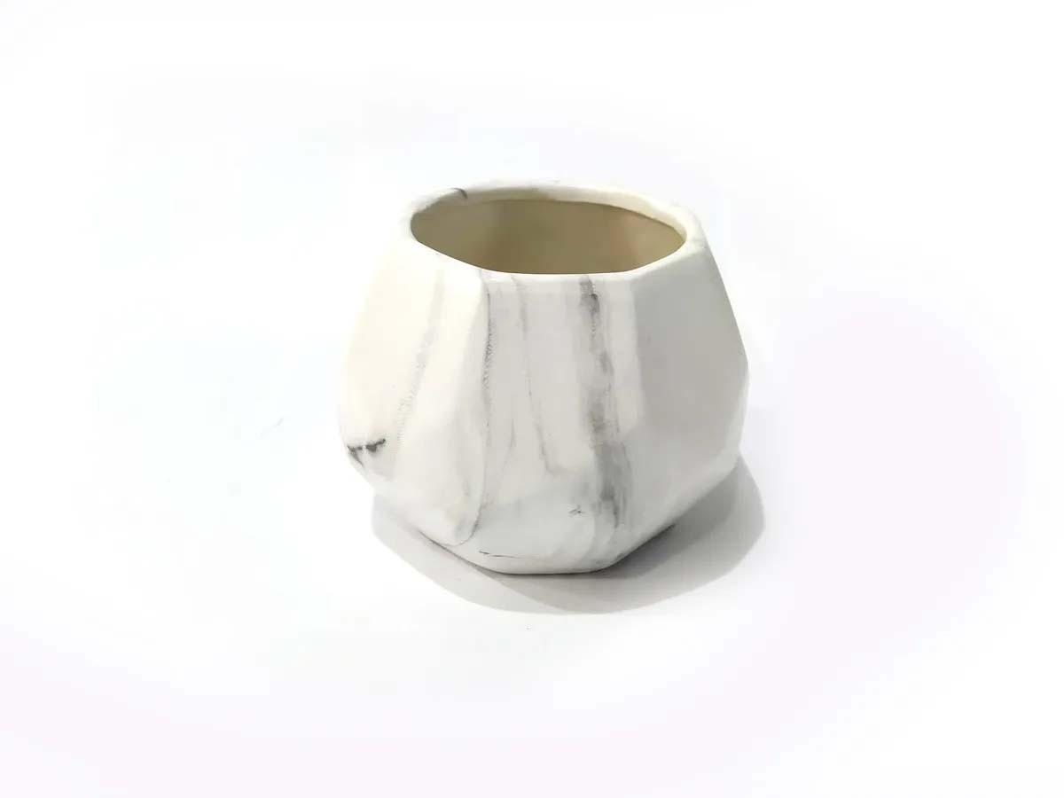 Vaso Cerâmica Branca Marmorizado - 10,5 x 9 x 12,5 cm