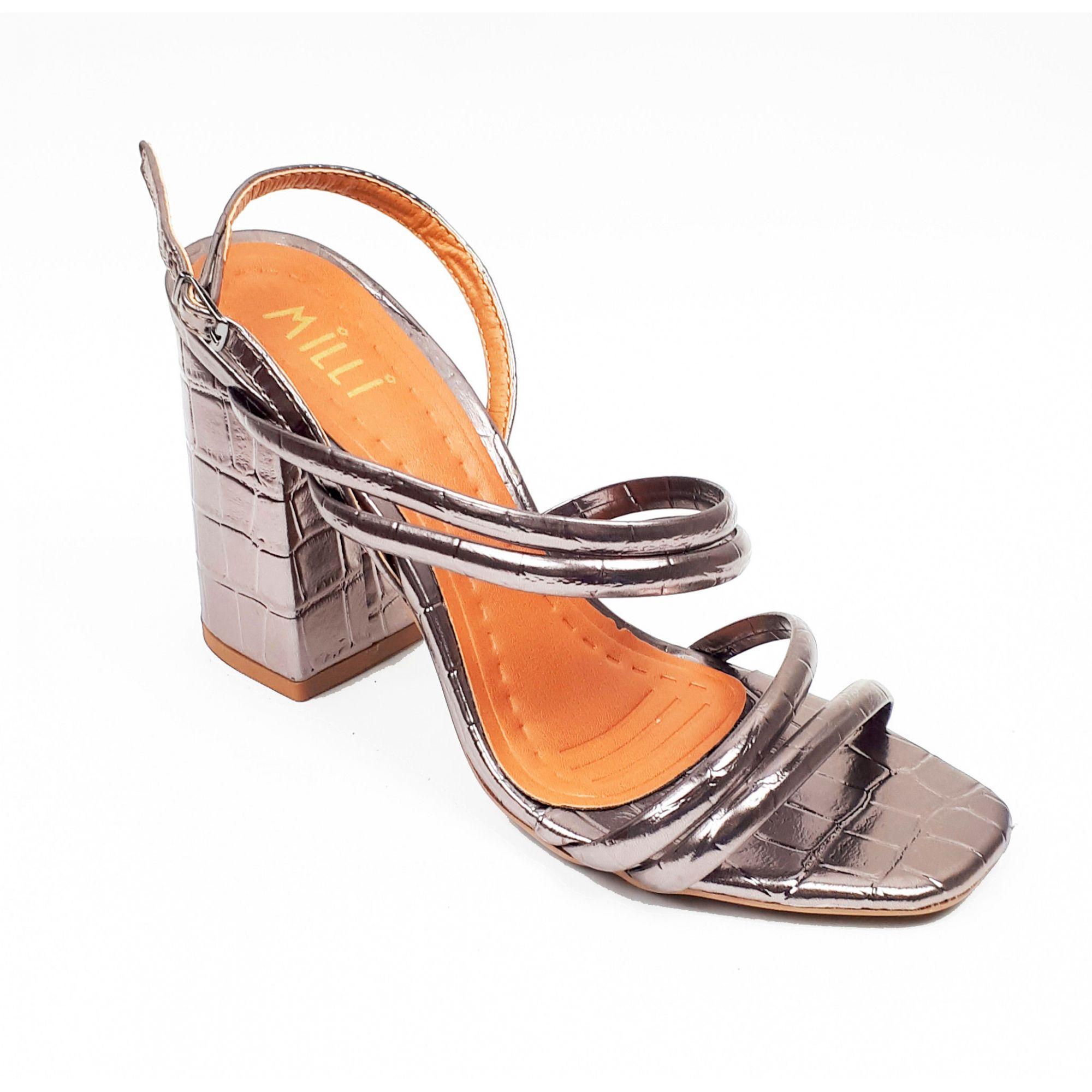 Sandália metalizada croco ônix