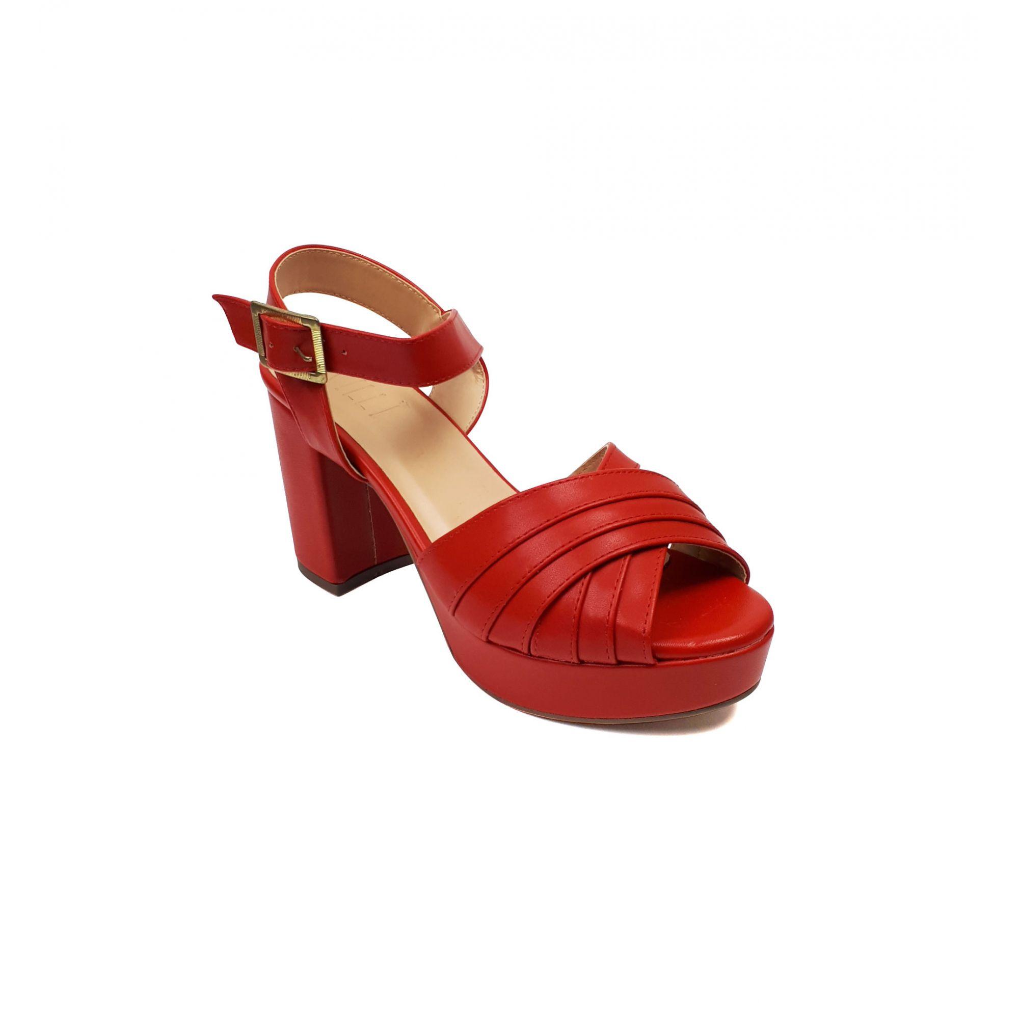 Sandália Milli meia pata com pesponto vermelha