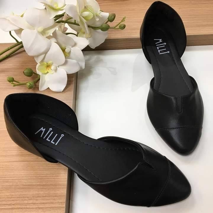 Sapatilha Milli  em couro sintético fosco preto bico fino