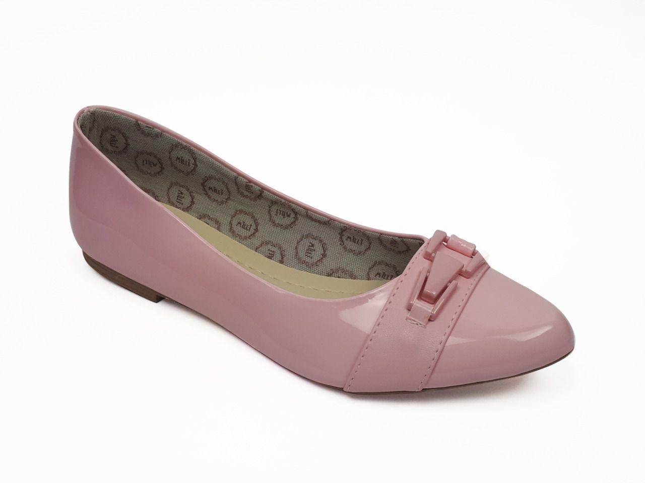 Sapatilha Milli em verniz rosa com detalhe rosa