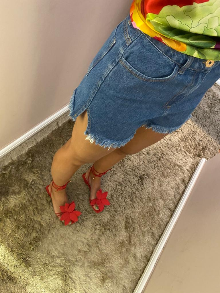 Short Básico Abertura Lateral Jeans