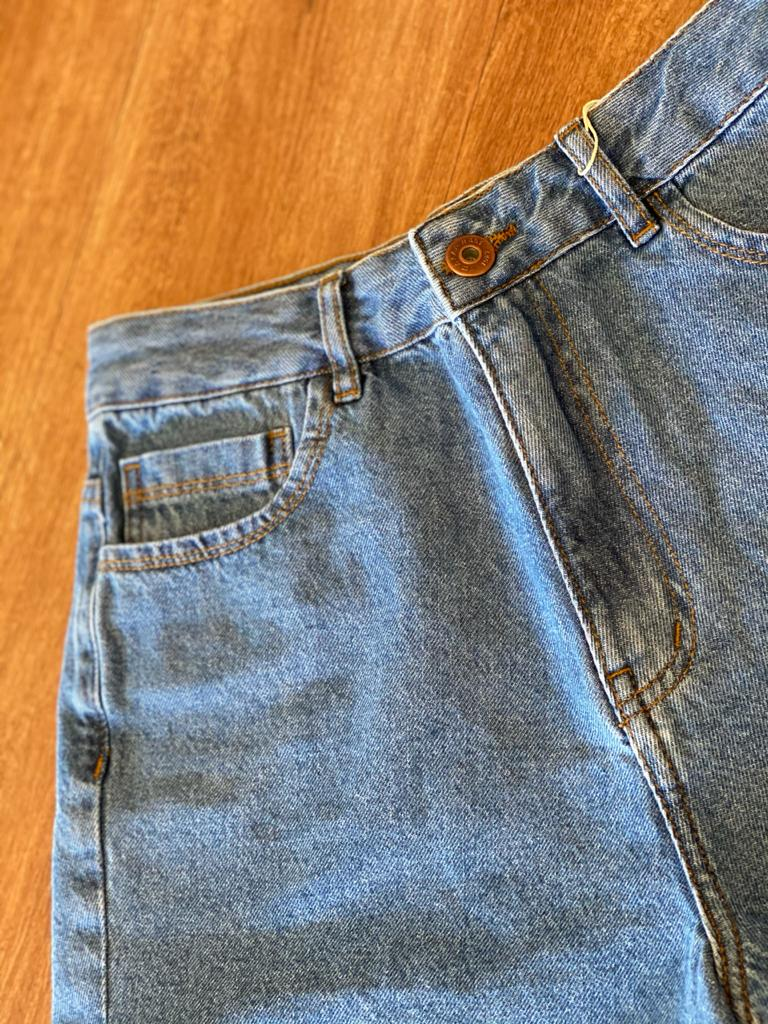 Short Mom Básico Jeans