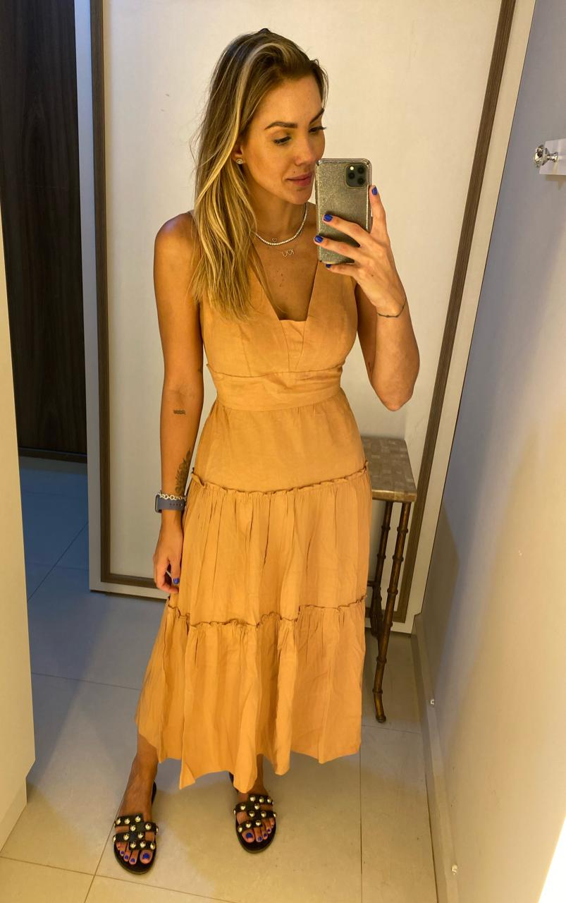 Vestido Midi Decote