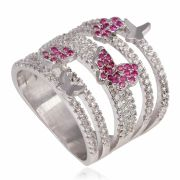 Anel com micro zircônias cristais e borboletas rubis banho de ródio branco.