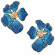 Brinco de flor banhado a ouro 18k com aplique resinado em azul.