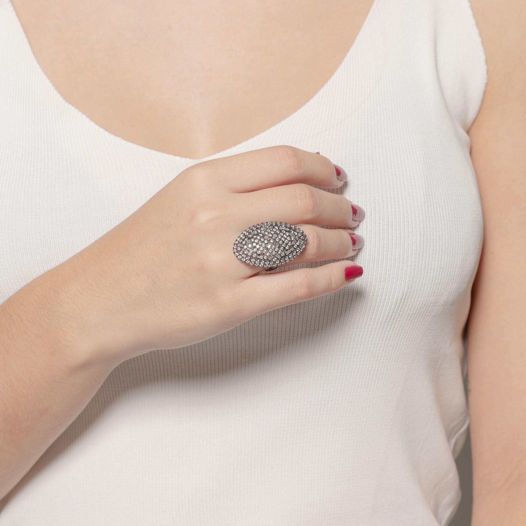 Anel com micro zircônias cristais banho de grafite.  - romabrazil.com.br