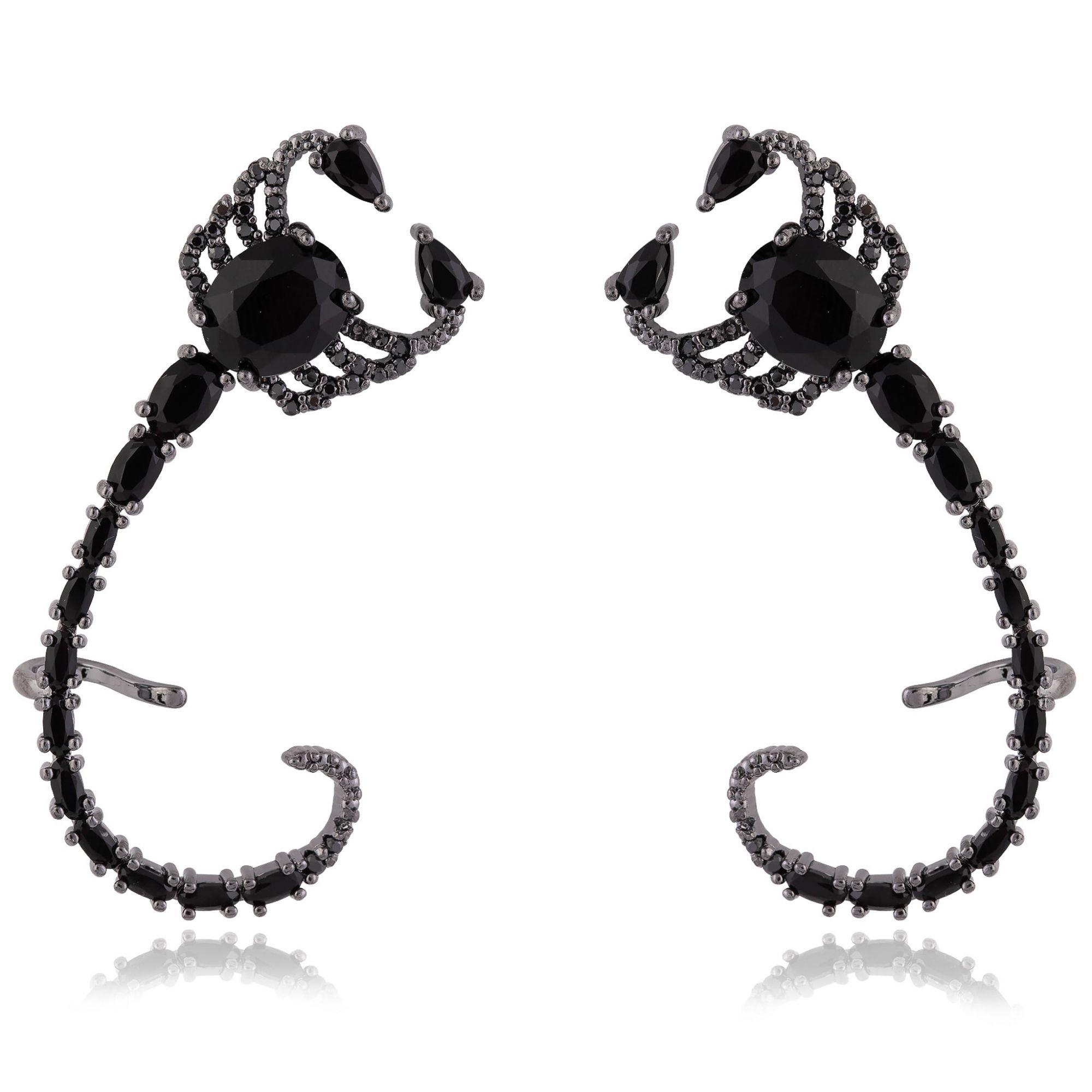 Brinco ear cuff de escorpião com zircônias negras banho de grafite.  - romabrazil.com.br