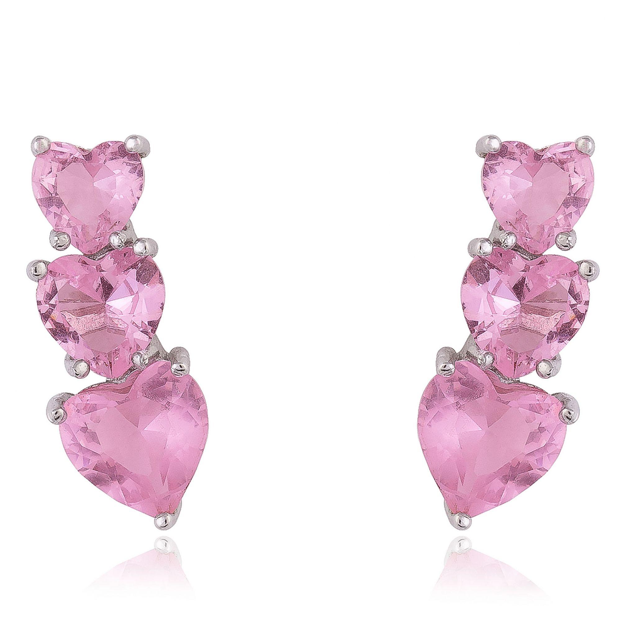 Brinco trio de coração em zircônias cor de rosa banho de ródio branco.  - romabrazil.com.br