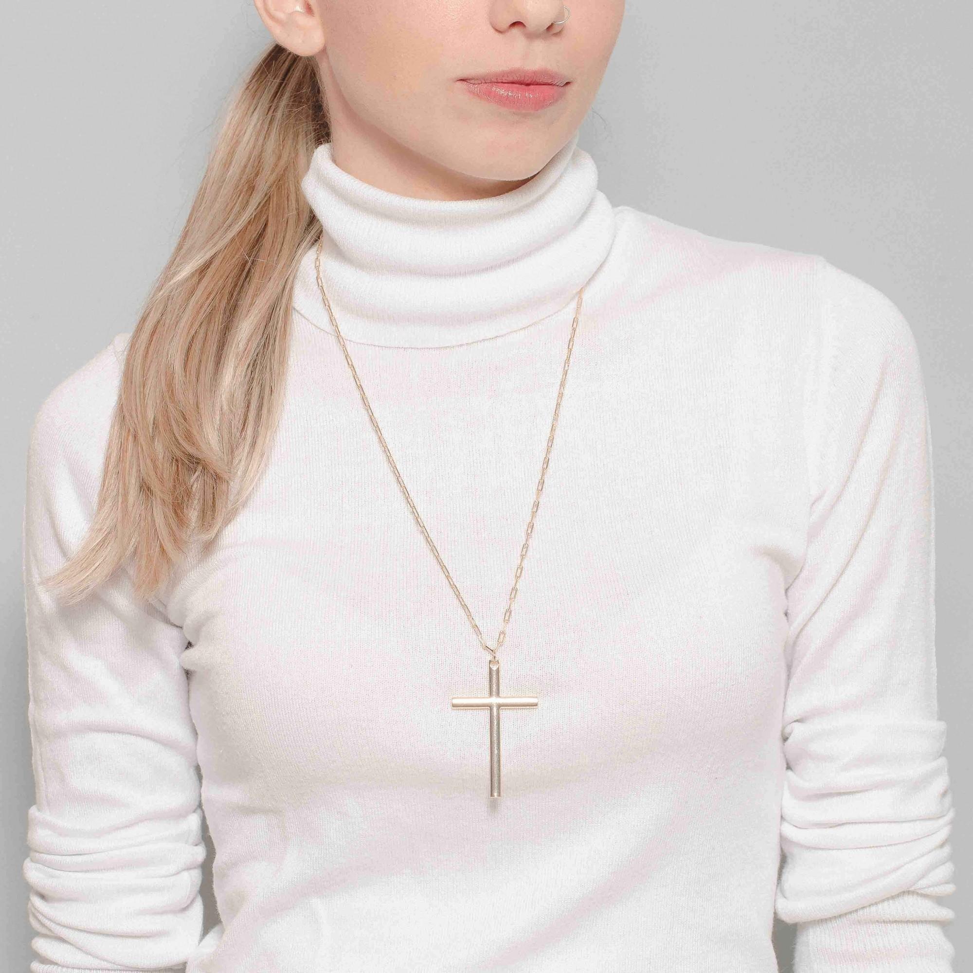 Colar com crucifixo banhado a ouro 18K  - romabrazil.com.br