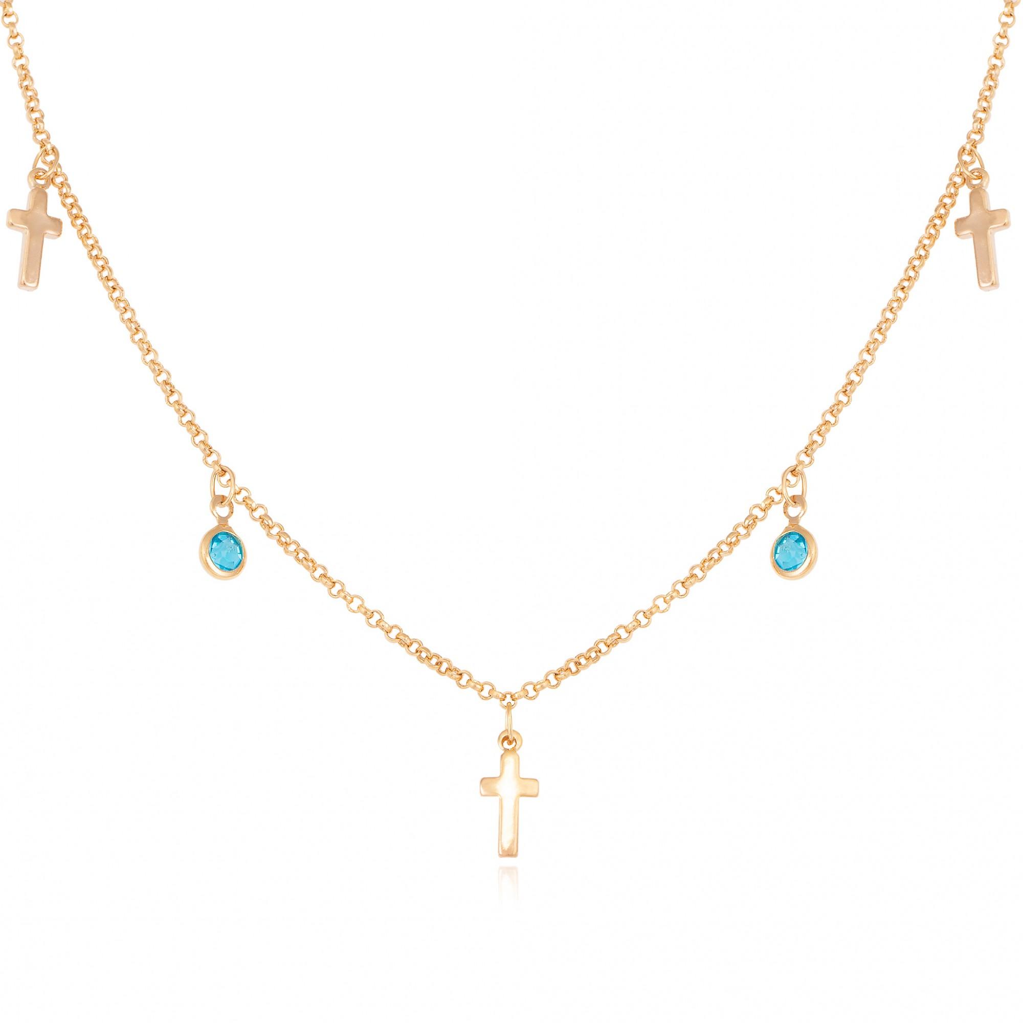 Colar pendente de cristais azuis e cruz banhado a ouro 18k.  - bfdecor.com.br