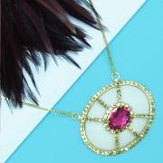 Colar feminino em resina, pedra pink e strass, família ninho